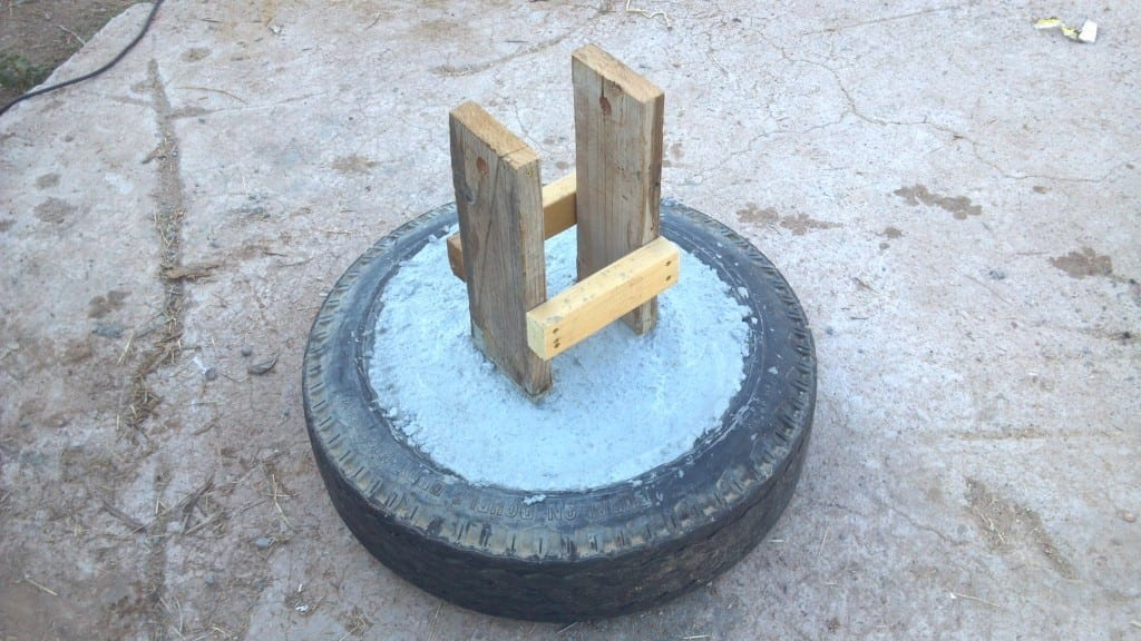 How to Build a Teeter Totter or See Saw Out Of Old Recycled Tire ...